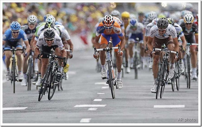 cav passing sanchez roche stage 18 ap photo